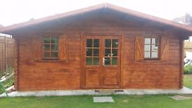 44 mm, 19 x 16' (6 x 5 m) Log Cabin. 18 mm roof and floor boards.