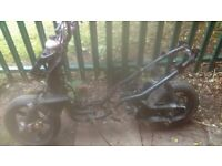 yamaha aerox 50cc rolling frame with v5c £100 no offers