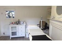 Beauty room therapy room to rent Surrey