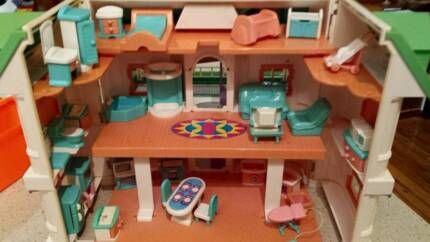 Fold Away House Fold up Dolls House With Heaps