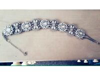 SALE Beautiful necklace very good condition HOT OFFER