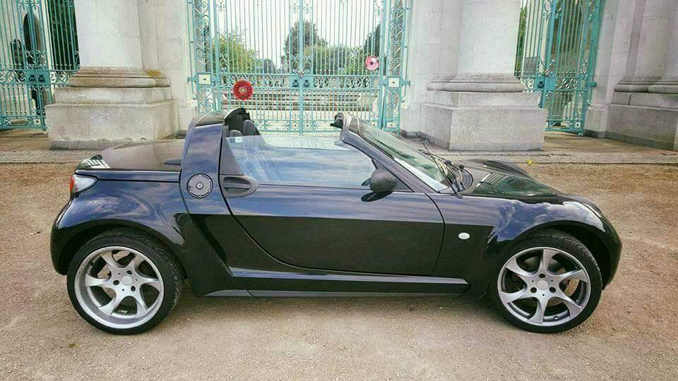 Smart Roadster Convertible With Exclusive 17
