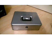Metal Money Cash Storage Box, Lockable with Key