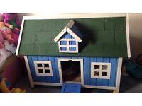 Rabbit Hutch/House