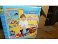 Thomas and Friends Battery Powered Ride On Train and 22 Piece Track Set