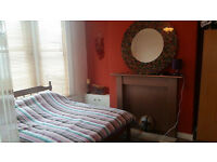 Double room in wonderful house excellent location