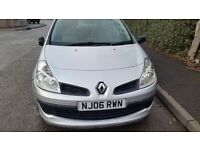 renault clio 5 door 2006 06 92k 1 former owner clutch slipping hence very low price £395