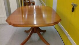 Extendable dining table,cherry wood,carved leg,110-160cm,a little scuff,stable