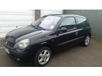 renault clio 1.2 53 reg black very low miles 1 owner from new taxed and mot 2017 excellent runaround