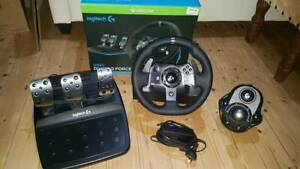 Logitech G920 Racing Wheel, Shifter and Pedals