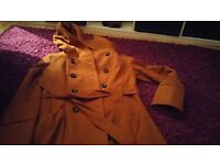 Women's Size 12 Coat in Fab Condition.