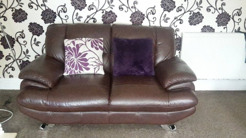 Brand New Excellent Condition Brown Leather Sofa 3 2