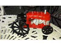 OLD STYLE VINTAGE CAST IRON TRACTOR GARDEN ORNAMENT