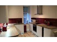 KITCHEN FITTERS & JOINERS
