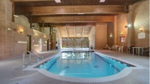 Spacious Main Level 2Bed/2Bath with Pool, Hot Tub & Fitness Room