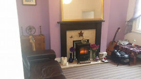 ROOM TO RENT SMITHDOWN ROAD - EXCELLENT LOCATION