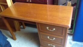 dressing table / desk - free delivery