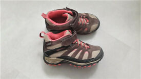 Girls Merrell Waterproof Walking Boots UK 13 EUR 32 US 1