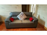 Italian Leather Corner Sofa Suite Couch Luxurious interior designer having massive clearance event