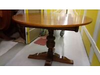 Round dining table,solid oak,extendable,carved leg,genuine Old Charm, VGC, 110cm-150cm