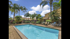 WANTED TO BUY ASAP 3 BEDROOM TOWNHOUSE SURFERS PARADISE BUNDALL Surfers Paradise Gold Coast City Preview