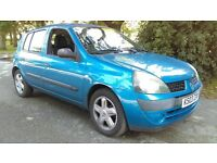 2003 1.2 Renault Clio selling for repair ( being used daily , starts and drives) MIGHT SWAP