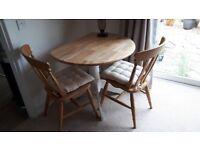 Circular Table & x4 chairs