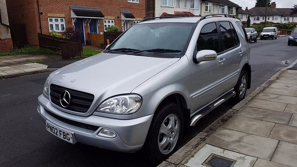 Mercedes Ml270cdi 2002 Model Automatic Silver Metallic 5 Seater