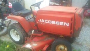 Jacobsen 12hp lawn tractor. With deck.