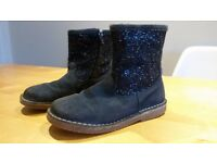 Mini Boden Girl's sparkly navy boots