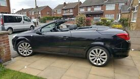 2007 Black Vauxhall Astra Exclusiv Twintop Convertible 1.8 petrol