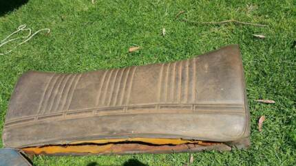VE VF VG VALIANT FRONT AND REAR SEATS SUIT PACER CHARGER ETC Gosford Gosford Area Preview