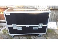 flight case plasma 42 50 32 inch for sale all good condtion