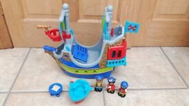 Happy Land / Little People Pirate Ship & Accessories