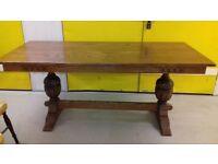 Fantastic dining table,solid oak,Old Charm,carved leg,length 180cm,width 80cm