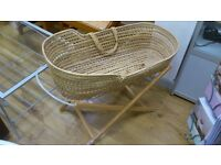 moses basket with stand and new organic backweat hull mattress