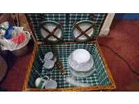 Picnic Basket with Crockery and Cutlery
