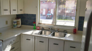 1 Month FREE!!  Beautiful Spacious Townhouse