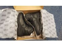 Magnum Precision Sitemaster black S3 composite safety boot with midsole size 9 UK