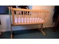 Newborn rocking cot / crib