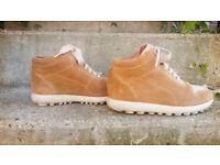 CAMPER - Velvet boots - size 3 / 36