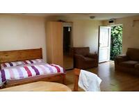 VERY LARGE STUDIO TO RENT IN CHADWELL HEATH! FURNISHED WITH PRIVATE ENTRANCE! MOST BILLS INCLUDED!