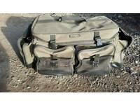 Wychwood solace carryall slight rip to mesh pocket otherwise very good condition