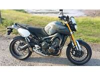 Yamaha MT 09 akrapovic high level exhaust