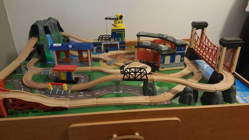 Universe Of Imagination Train Set And Table In South