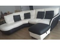 MODERN LIVING ROOM IN GREAT CONDITION!! SOFAS