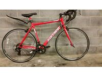 FULLY SERVICED NEARLY NEW ROAD CARRERA ZELOS BICYCLE