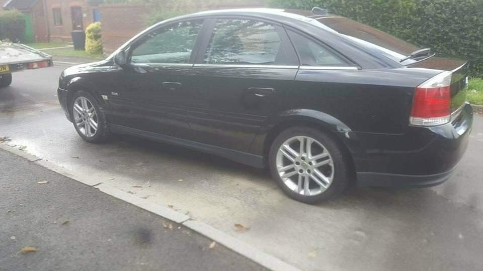 Vauxhall Vectra Black 2005 2.2 petrol New Mot