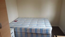 Double bedroom to let at Southboourne Gardens Ruislip HA4 9TA