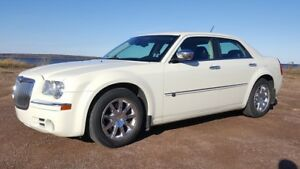 Chrysler 300C - LOW KMS / STORED WINTERS
